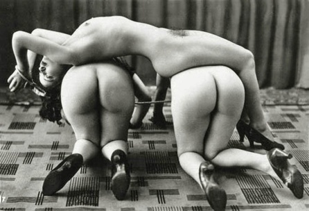 Ostra_Three_naked_women